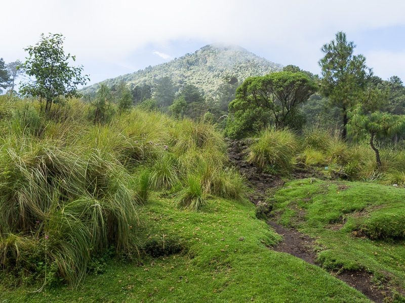 Volcan Santa Maria hiking path - GreatDistances