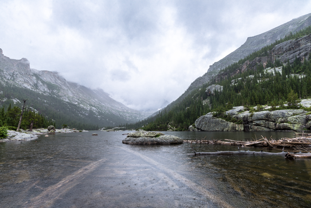 Mills Lake in the rain. Rocky Mountain National Park. GreatDistances / Matt Wicks
