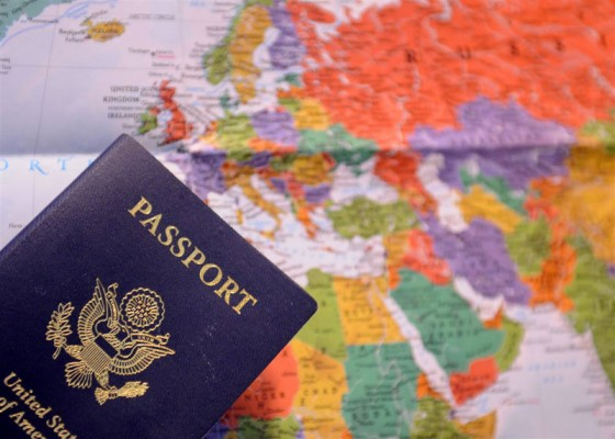FEATURED IMAGE: A Guide to U.S. Passport Applications & Renewals - GreatDistances