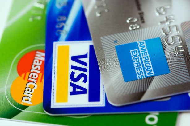 FEATURED IMAGE: Credit Cards & ATM Cards That I Use For Travel - GreatDistances