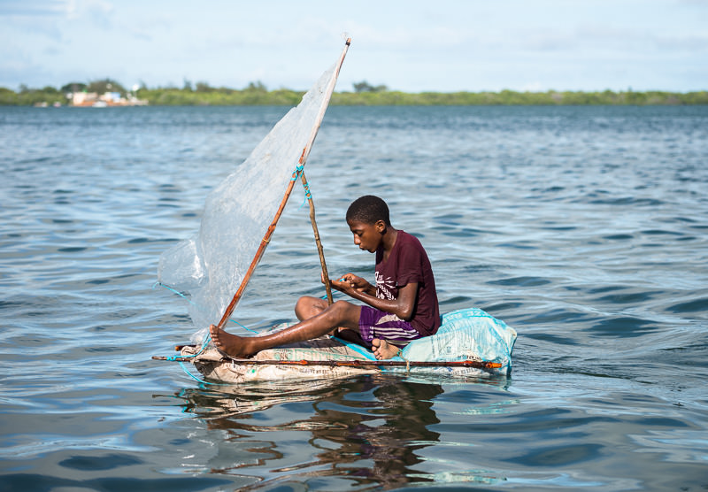 a homemade dhow made of garbage in Lamu, Kenya. GreatDistances / Matt Wicks