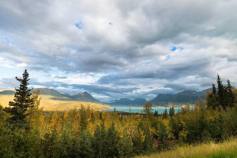 Skilak Lake in Kenai Peninsula in autumn. Near Cooper Landing, Alaska. GreatDistances / Matt Wicks - Two Weeks in Alaska: Selected Photos