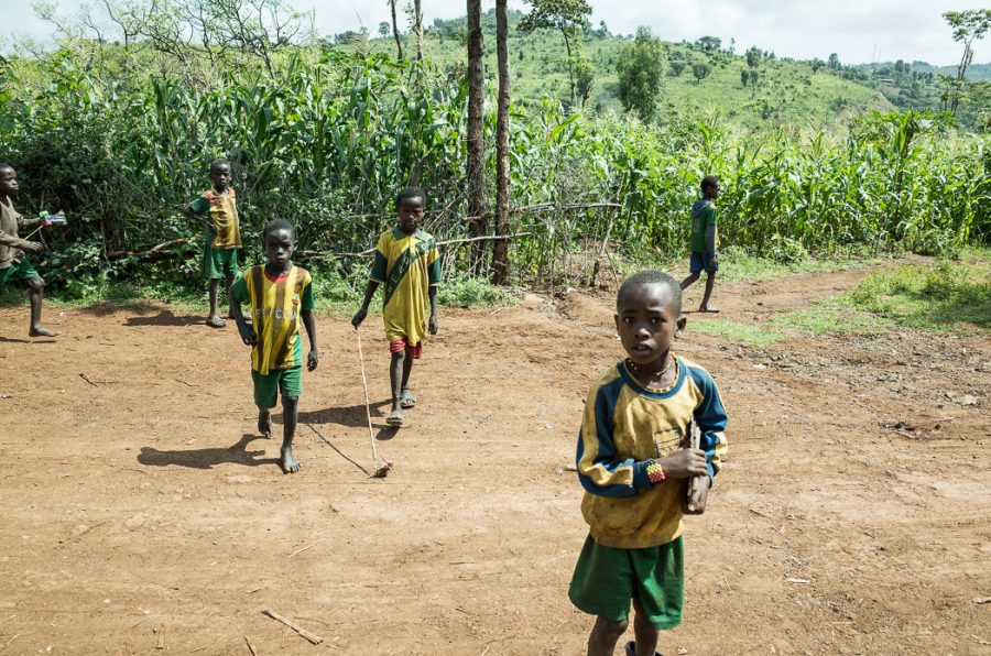 Konso kids. South Omo Part 2 - Bull Jumping - GreatDistances / Matt Wicks